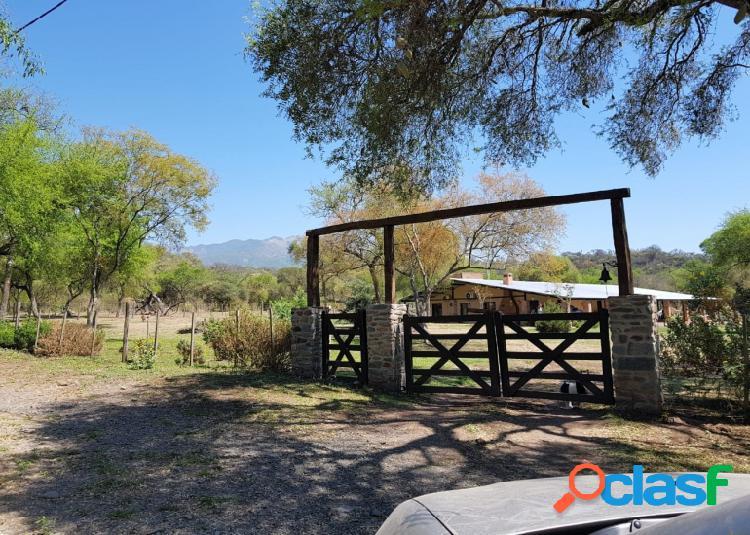 Venta de Casa Quinta de 5 hectáreas en Tapia, 4 Dormitorios