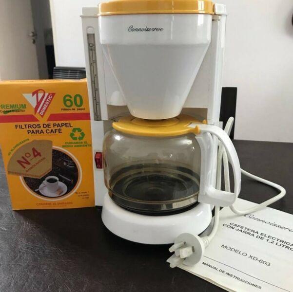 Cafetera Eléctrica Connoisserve con jarra de 1,2 litros +