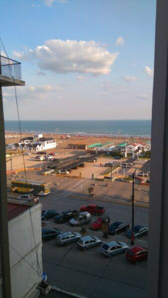 Frente a la playa, Departamento y cochera