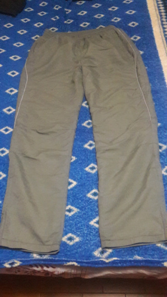 Pantalón marca kappa
