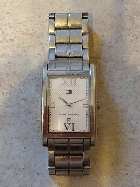 Reloj Tommy Hilfiger usado para hombre