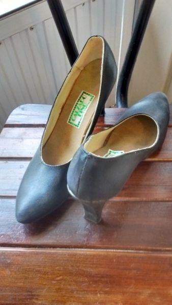 Zapatos cuero negro 38