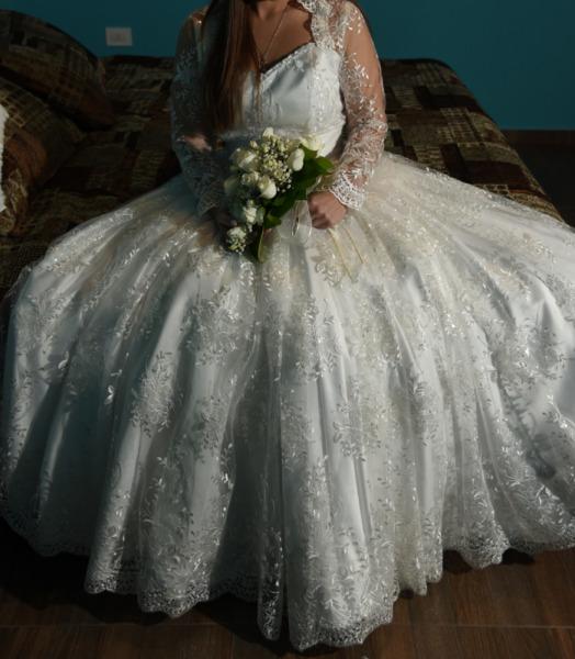 vestido de novia blanco estilo princesa