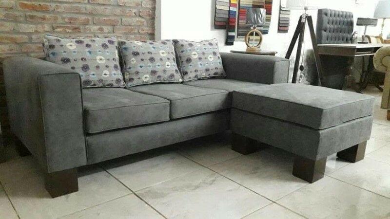 Sofa recto de 3 cuerpos con camastro