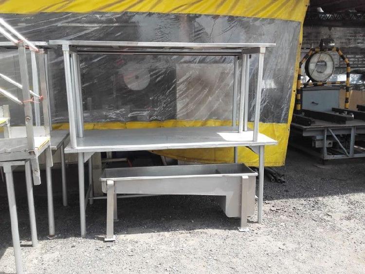 Mesas de trabajo de acero inoxidable con patas de metal