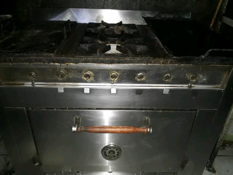 Cocina industrial y freidora 25 litros