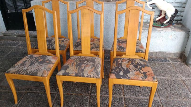 Hermoso juego de sillas antiguas madera de Roble claro