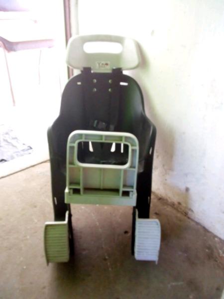 Vendo silla de bebe para bicicleta usada en buen estado