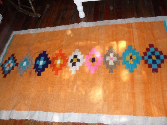 alfombra catamarqueña de lana tejida a mano