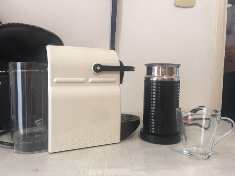 Cafetera Nespresso Inissia White + Espumador(Aeroccino 3) 1