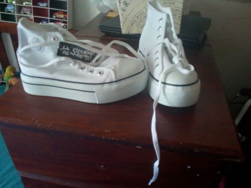 Vendo zapatillas botitas