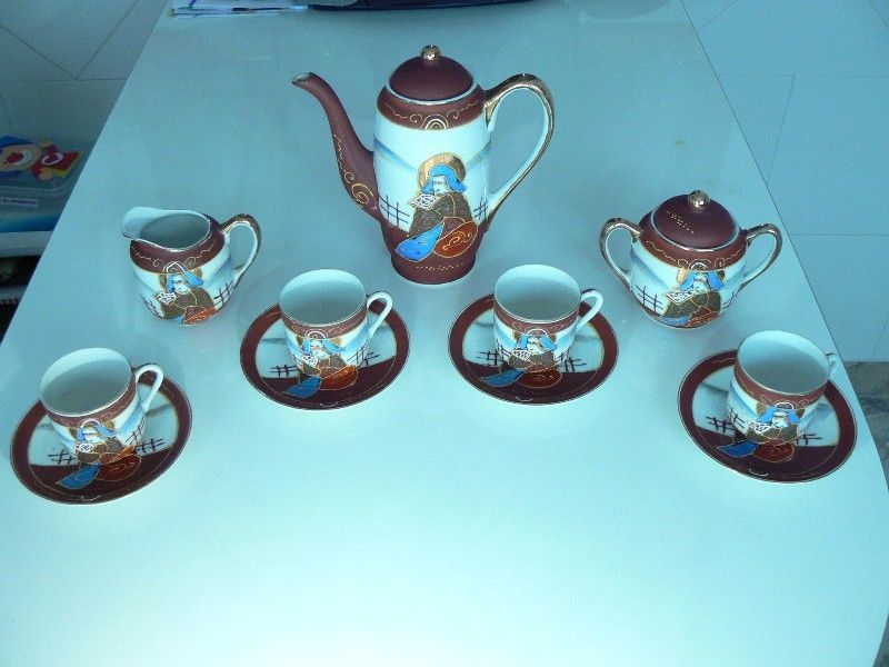 Antiguo Juego de Café de Porcelana Japonesa Estilo Satsuma