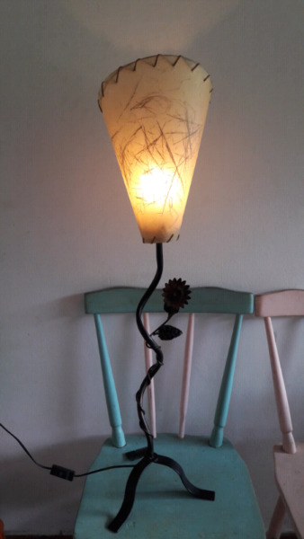 Lampara de hierro, 90cm, estilo vintage