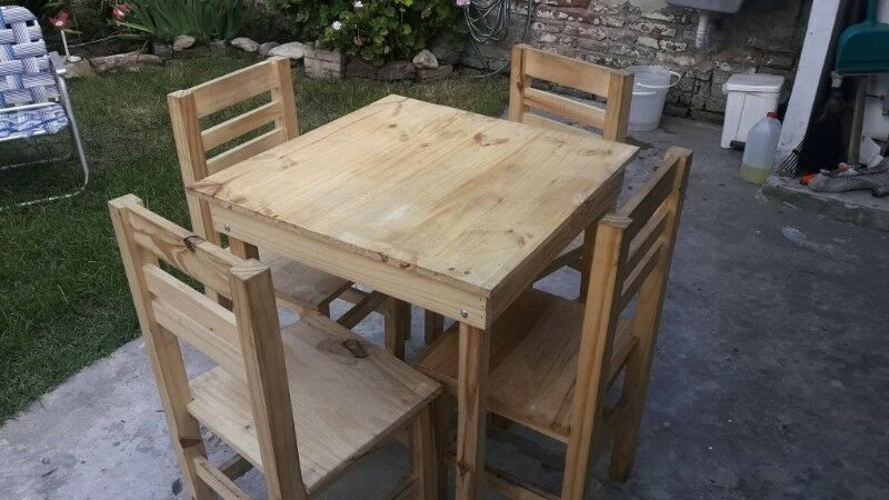Mesas y sillas para Bar Restó.
