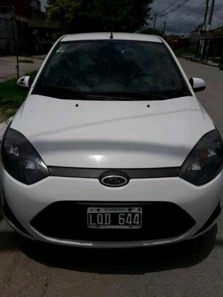 Vendo Ford Fiesta ambiente plus mp3