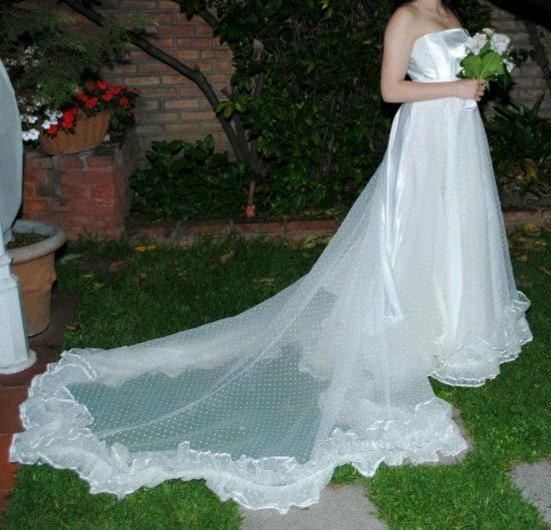 Vendo Vestido de Novia con cola Tela italiana Talle M