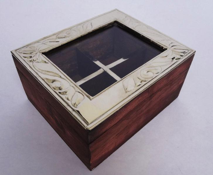 caja de te de madera tapa de alpaca x 4 divisiones