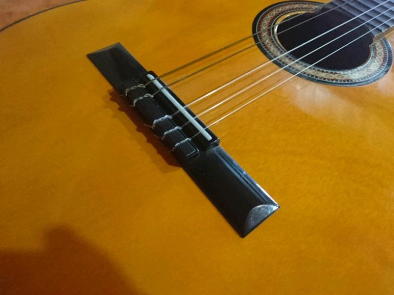 Guitarra criolla casi sin uso!!!