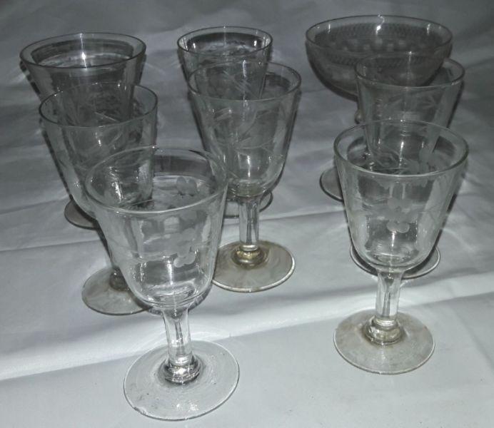 Juego de 8 copas sueltas de cristal tallado