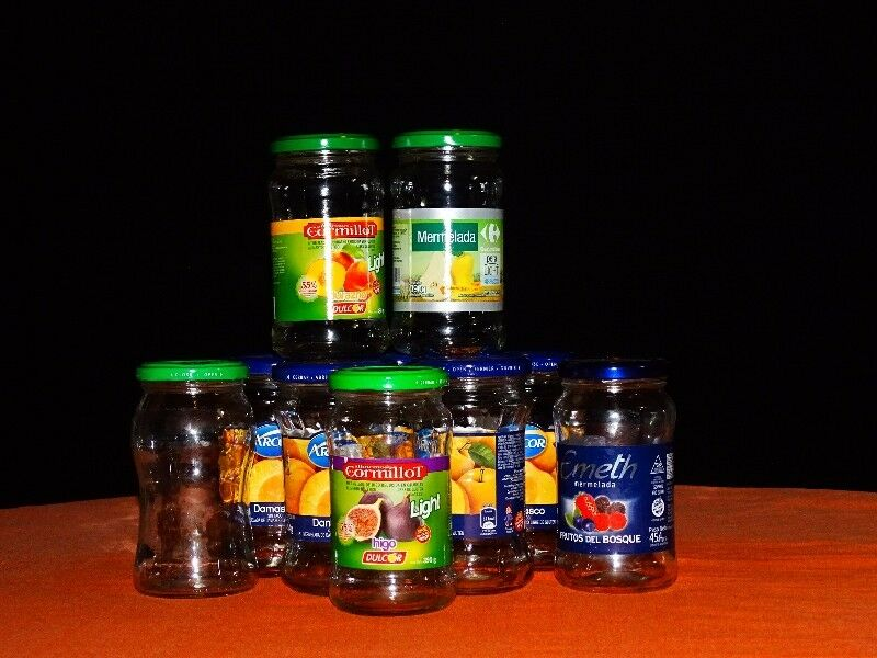 frascos de mermelada vacios