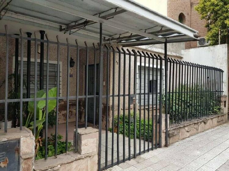 CASA DE TRES DORMITORIOS EN VENTA EN CHUBUT 62