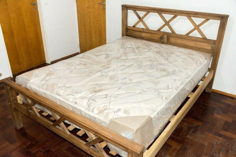 Cama de pino 2 plazas con colchón de resortes