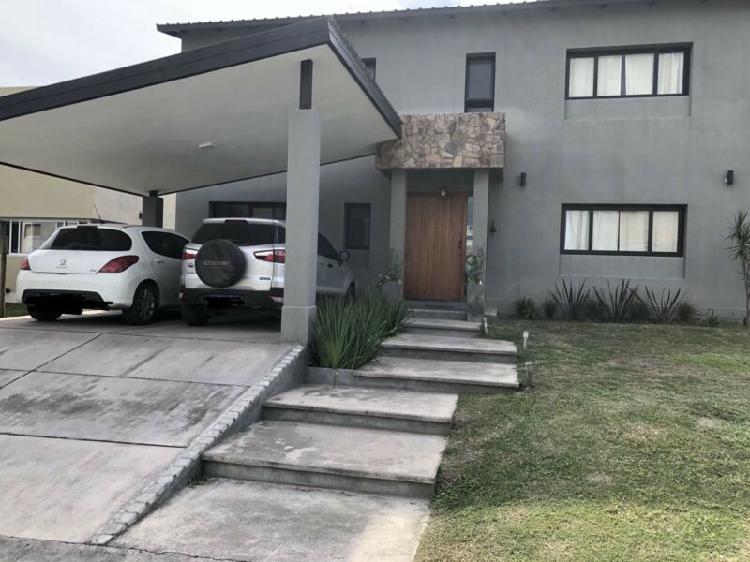 Espectacular casa B Alto Verde prox Av Peron
