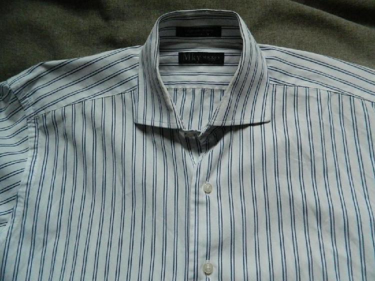 Camisa Mickey alta calidad tejido italiano talle Medium