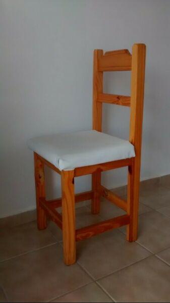 Vendo Juego de 6 sillas de madera