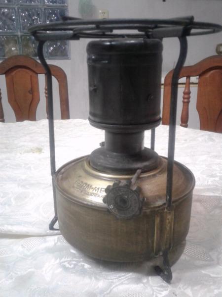 Calentador Antiguo a Kerosene marca Bram metal