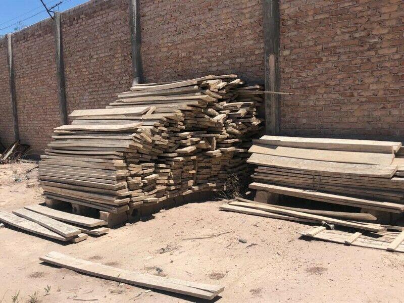"""Tablones de madera de 2"""" x 10"""" x 2,2mts alamo"""