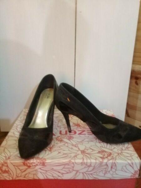 hermosos zapatos stiletto nº39