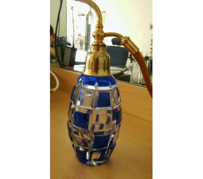 Antiguo Perfumero de bronce y cristal checo grabado art deco