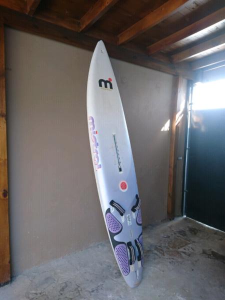 Tabla de windsurf Mistral de carbono 2.78 mts