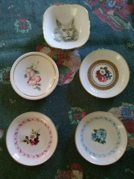 Lote de 5 Platitos decorativos de Porcelana