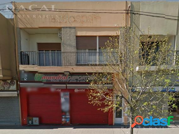 Local en alquiler en Los Hornos Av 137