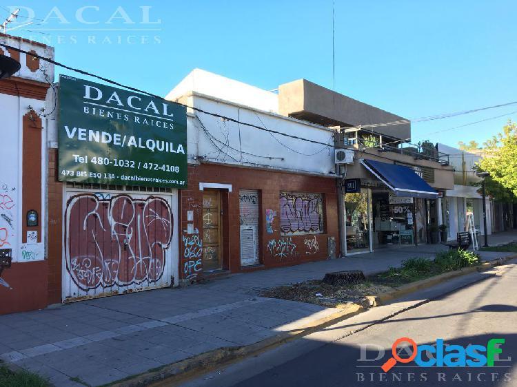 Local en venta en City Bell calle Cantilo e/ 13 A y 13 B