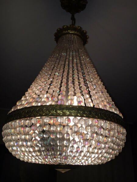 Remato! Lámpara colgante de cristal y bronce.