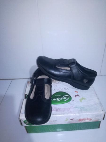 Zapatos de cuero número 32