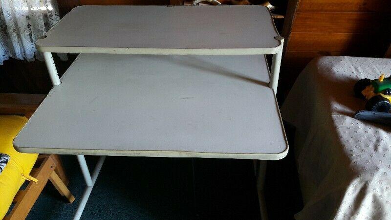 mesa escritorio para PC o nootebook