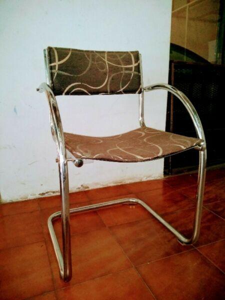 juego de 4 sillas de hierro cromadas