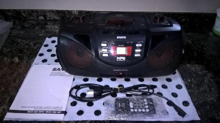 Radiograbador con reproductor de cd/mp3 SANYO Usado Funciona