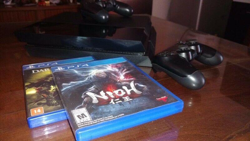 Playstation 4, 2 joystick, 5 juegos: 2 fisicos y 3