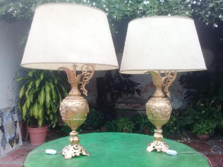 Dos lamparas de bronce comedor talladas estilo Francés
