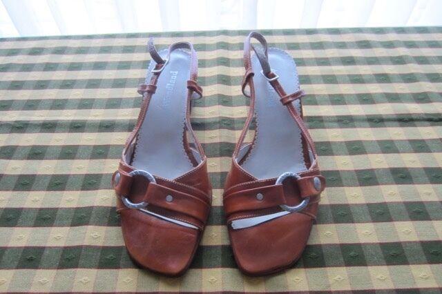 Sandalias de cuero, color marrón, marca Woodland!!, casi