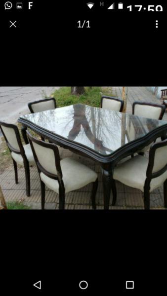 Liquido juego de mesa y sillas Luis 15 impecable