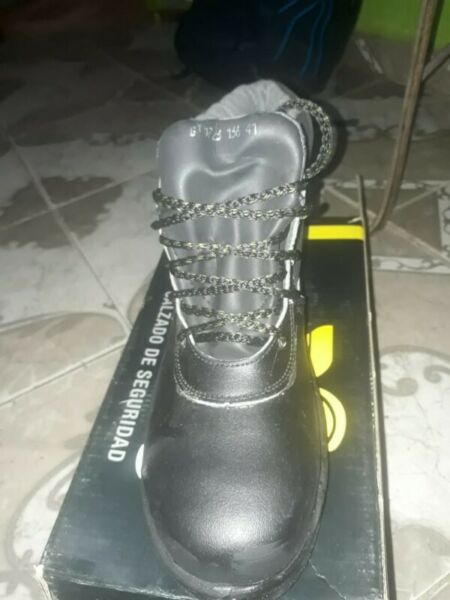 Liquido zapatos de seguridad