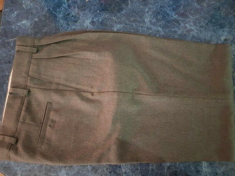 Pantalon gris escolar