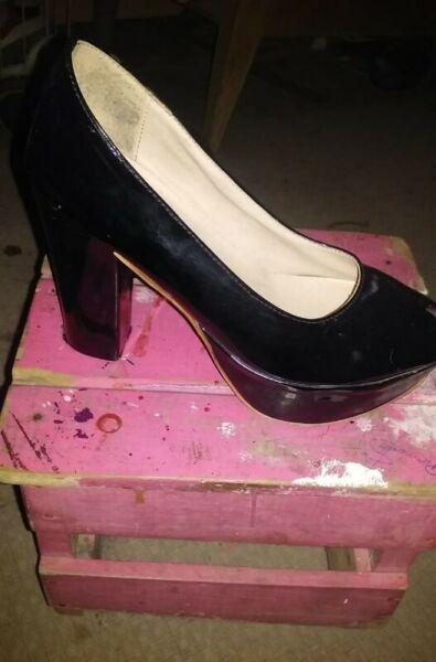 Vendo zapatos con taco