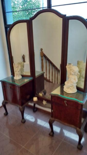 Mueble antiguo vestidor
